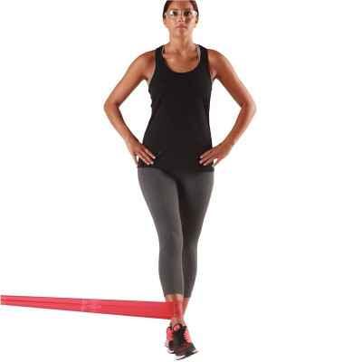 Ελαστικός ιμάντας άσκησης δίνει τη δυνατότητα για πολλές ασκήσεις
