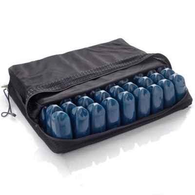 Το μαξιλάρι κατάκλισης με αεροκυψέλες της Moretti διατίθεται με αντλία αέρα και αεριζόμενο κάλυμμα