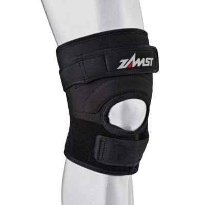 Η αθλητιατρική επιγονατίδα Zamst JK-2 παρέχει υποστήριξη μετρίου βαθμού σε αθλητές που συμμετέχουν σε αθλήματα με άλματα