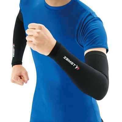 Το αθλητικό μανίκι συμπίεσης Zamst Arm Sleeve έχει άψογη εφαρμογή