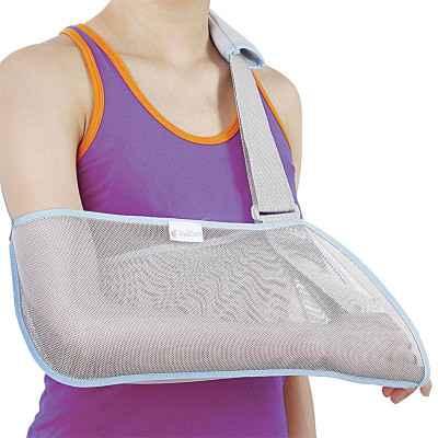Ο φάκελος στήριξης - ανάρτησης ώμου χειρός είναι αεριζόμενος και διαθέτει μαλακό μαξιλαράκι στην περιοχή του αυχένα