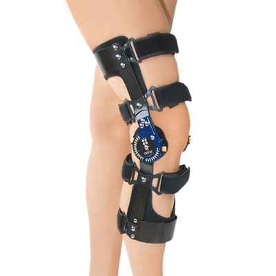 Λειτουργικός νάρθηκας γόνατος τεσσάρων σημείων με γωνιόμετρο G5 ROM για χιαστούς συνδέσμους. Χορηγείται από τον ΕΟΠΥΥ