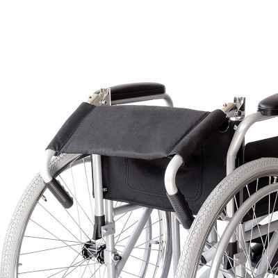 Το αναπηρικό αμαξίδιο αλουμινίου QR 09-2-082 διαθέτει αναδιπλούμενη πλάτη